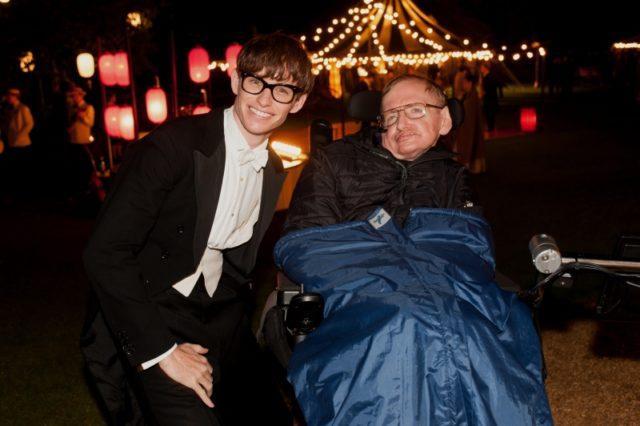 A mindenség elmélete-05-Stephen Hawking