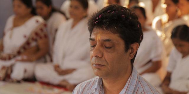 Janos-Orsos-meditierend